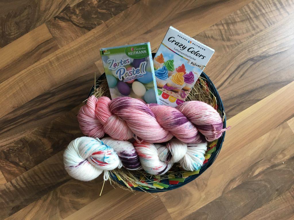 Die fertig gefärbte Osterhasenwolle.